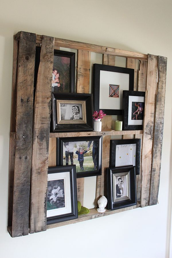 Pallet living room shelves
