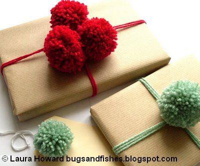 pompom gift wrap1