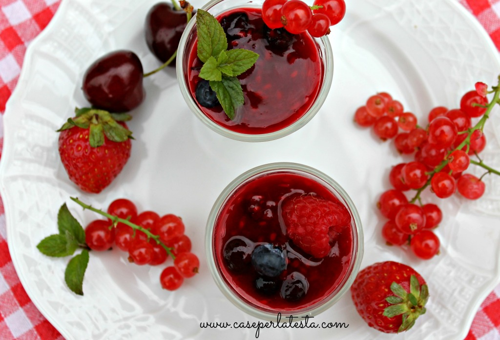 panna cotta with berries sauce