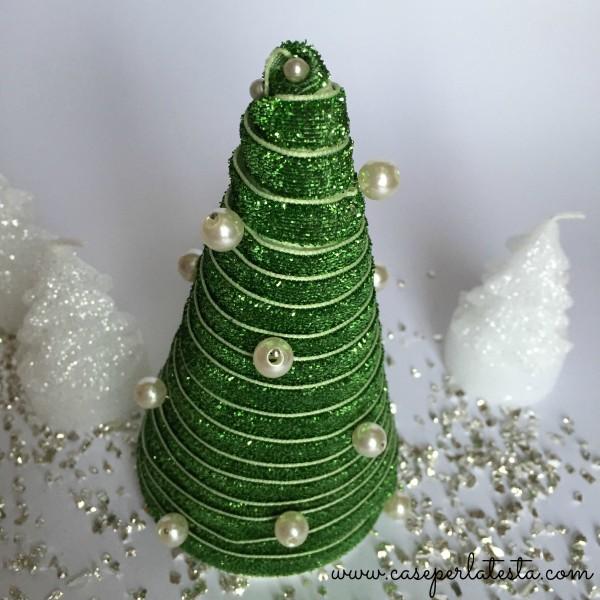 DIY_xmas_tree_whit_ribbon