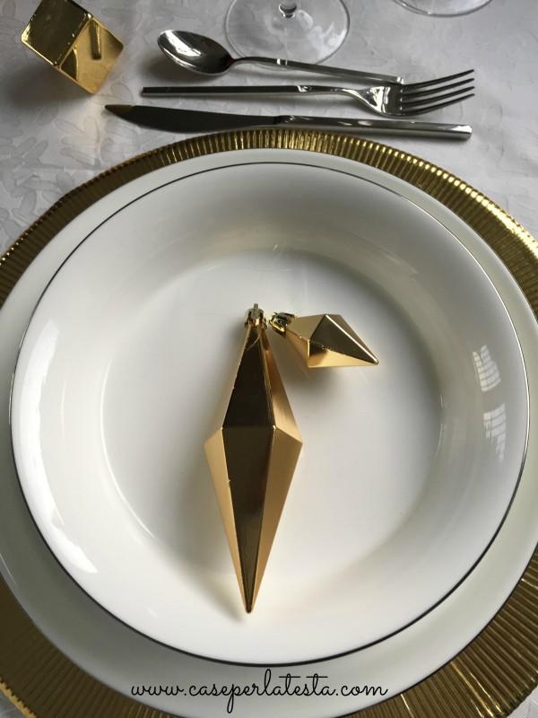Gold_Christmas_table